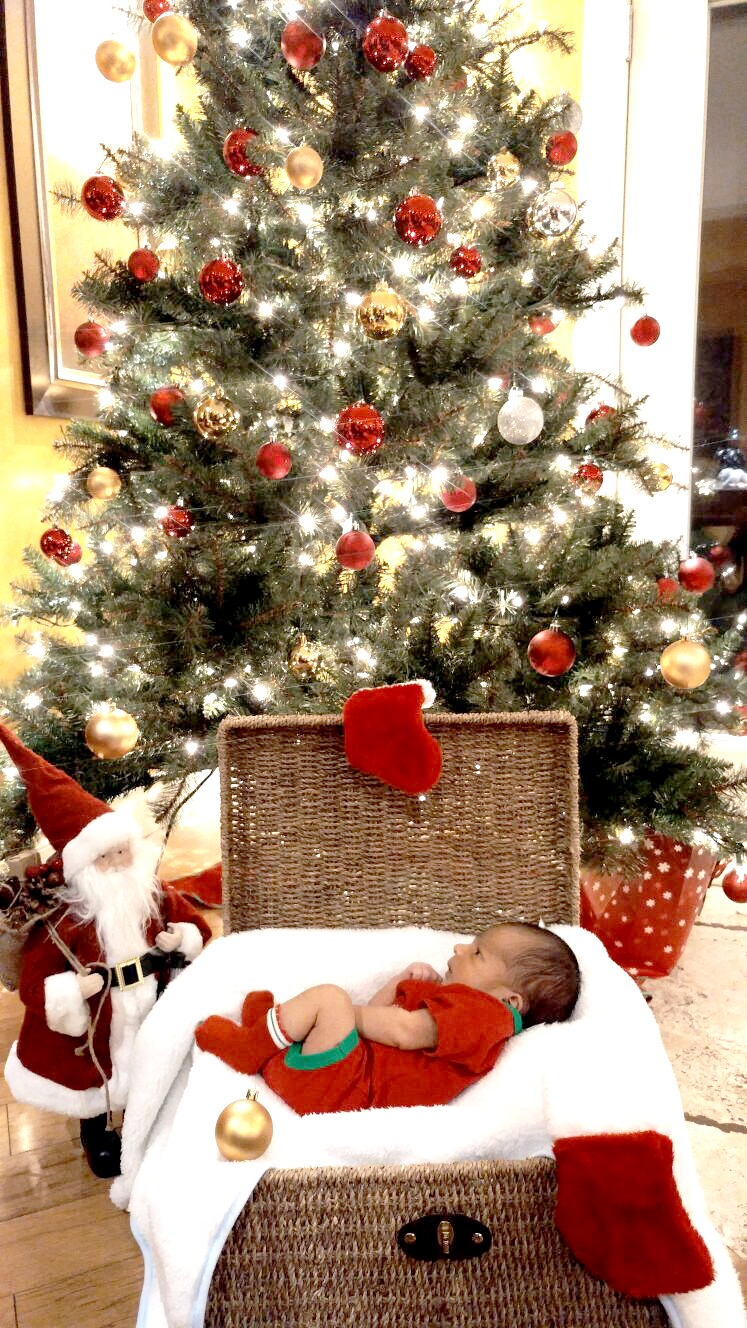 baby-g-christmas-pic-from-peter